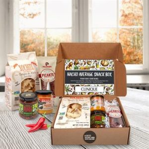 Nacho gift set including chips and dip